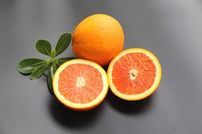 切開臍橙圖