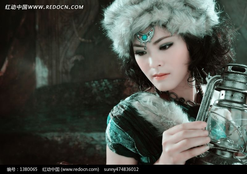 蒙古族女孩写真艺术照图片