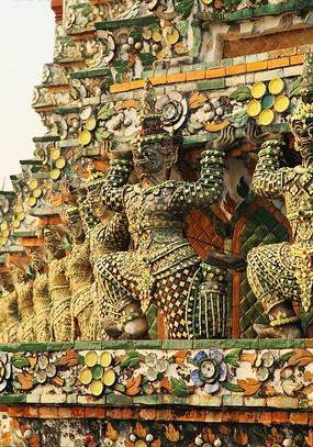黎明寺佛像群雕
