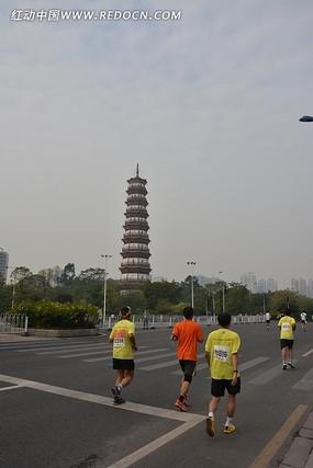 2013广马的赤岗塔路段
