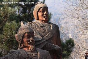 穿铠甲的古代人物雕塑