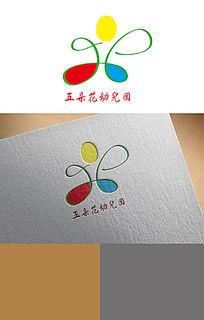 五朵花幼儿园logo