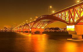 夜晚的跨海大桥