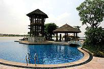 马赛克现代游泳池