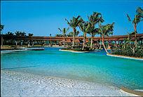沙滩淡水游泳池