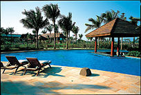 沿海风景游泳池