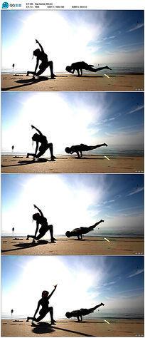 实拍海边瑜伽人物轮廓
