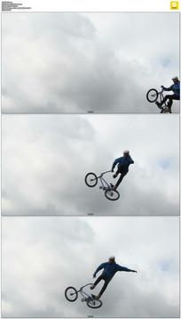 骑自行车极限跳跃实拍视频素材