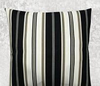 黑白棕三色线条抱枕
