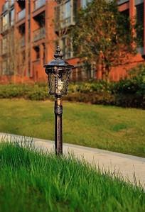 金属花纹雕刻矮灯柱