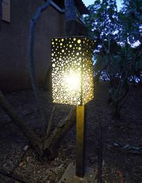 圆形图案金属灯具
