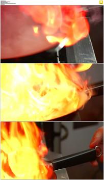 大火锅中燃烧实拍视频素材