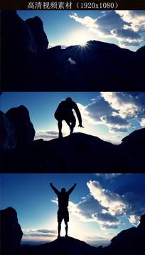山顶人物跳跃呐喊视频素材