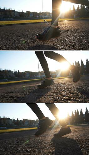 女孩晨跑实拍视频