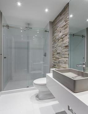 主卧简单浴室