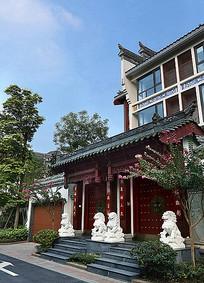 传统建筑入口景观精美屋檐纹样