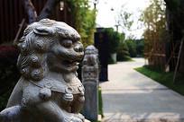 传统门神神兽石狮纹样雕刻