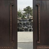 传统中式庄重大门浮雕纹样