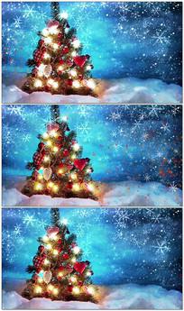 圣诞树雪花飘落视频