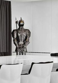 会议室的武士盔甲