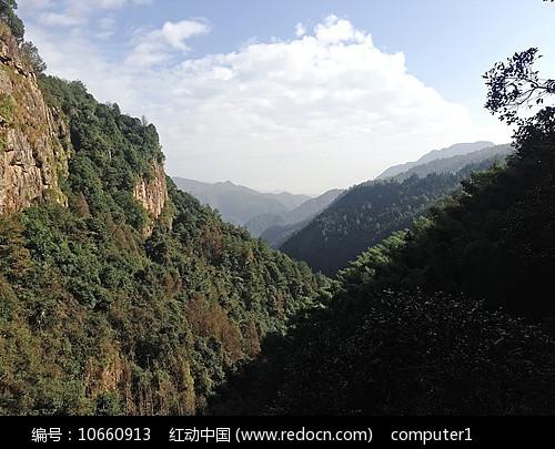 群山山崖图片