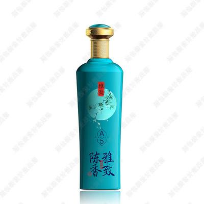 蓝绿色酒瓶效果图