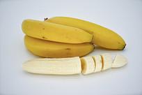 切开的香蕉