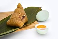 咸蛋肉粽图片