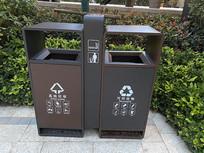 现代简易垃圾桶意向图