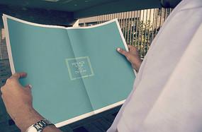 公司企业新年报刊报纸设计样机模板