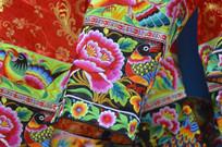 湖南少数刺绣服装特写