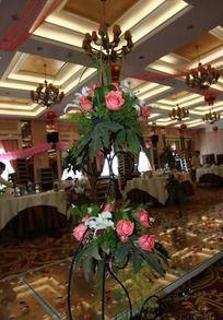 婚礼路引鲜花装饰