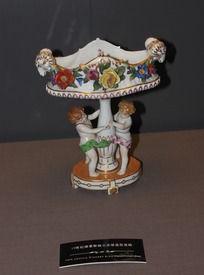 19世纪德累斯顿小天使造型瓷碗