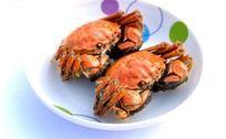 盘子里的湖蟹