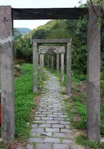 天童寺门厅小道