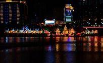 松花江上的五颜六色河灯