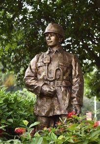 消防战士雕像