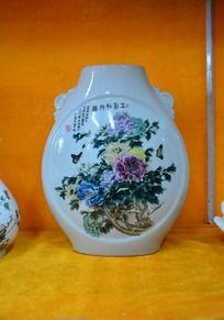 花开富贵图陶瓷瓶