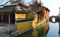 河边古建筑