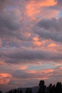 夕阳的云朵