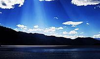 泸沽湖耶稣光美景