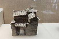 泥土弄成的房子模型