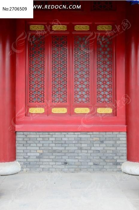 古香古色的红木窗棂图片