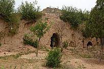 山洞里的雕像