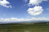 草原上空纯净的天空