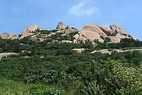 覆满绿植的嵖岈山