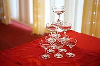 婚宴高脚杯堆叠摆放造型