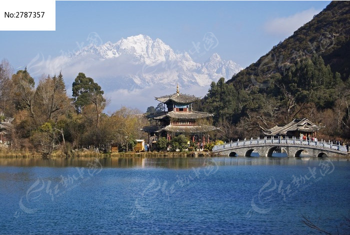 黑龙谭玉龙雪山风景图片