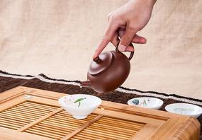 紫砂茶壶禁止出水的手势