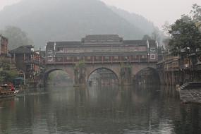 凤凰古城美丽的虹桥建筑